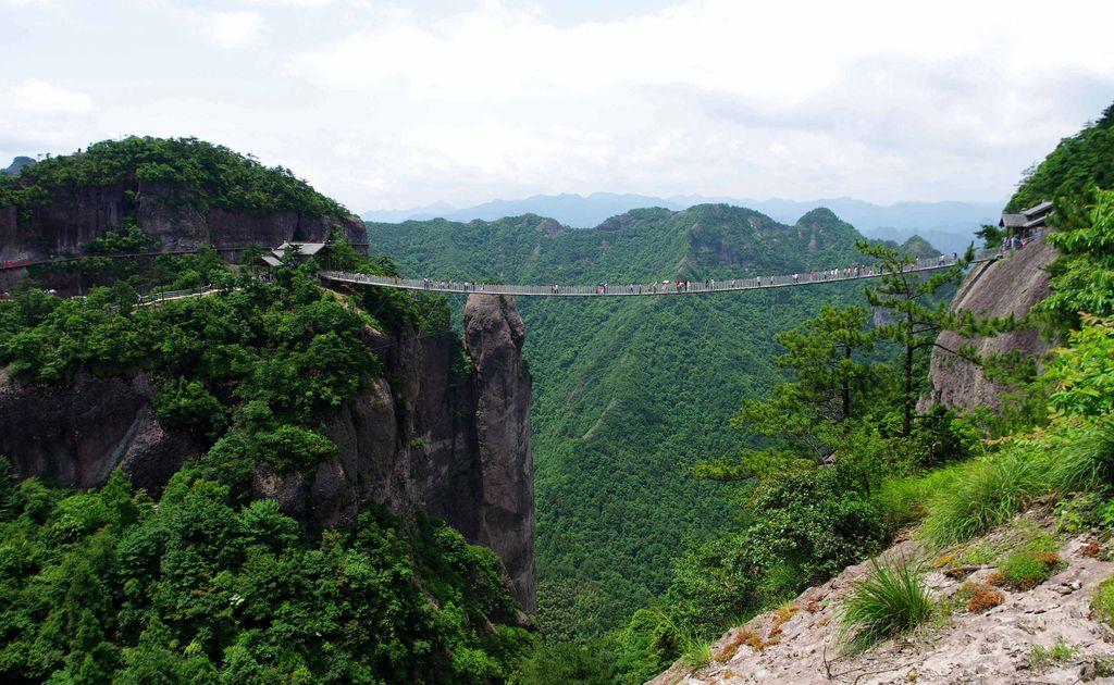 「黔东南一日游线路」全球旅游业已恢复到金融危机前水平