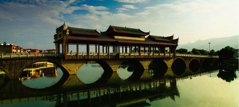 西藏将建设首个自驾游营地